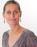 Leonore de Wit, PhD, psycholoog. Momenteel werkzaam als opleidingsdirecteur van de master Psychologie, faculteit der Gedrags- en Beweginsgwetenschappen aan de Vrije Universiteit in Amsterdam.